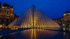 Pyramide du Louvre (Paranad) Tags: paris france louvre pyramide   pyramidedulouvre