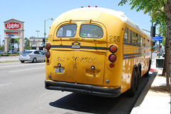 Crown Bus (So Cal Metro) Tags: bus la losangeles coach crown schoolbus westchester ortley