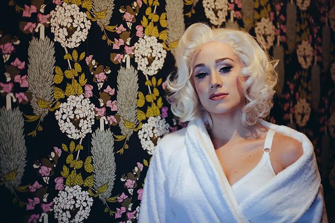 Blonde_055