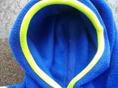 Fleece sweater, detail. (oddwise) Tags: skyline 40 ottobre 42013 size134