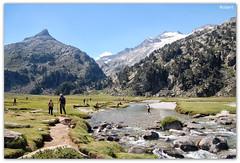 Pla de Aigualluts (.Robert. Photography) Tags: robert ro huesca montaa muntanya pla riu pirineo pirineu aragn aneto aigualluts
