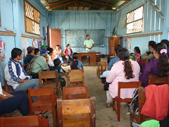 "PowerMundo's Field Coordinator Hans giving a presentation in Nuevo San Martin • <a style=""font-size:0.8em;"" href=""http://www.flickr.com/photos/69507798@N03/13540442663/"" target=""_blank"">View on Flickr</a>"