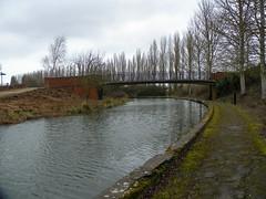 GOC Milton Keynes 059: Grand Union Canal (Peter O'Connor aka anemoneprojectors) Tags: 2017 bridge buckinghamshire campbellpark canal england gayoutdoorclub goc gocmiltonkeynes gocmk grandunioncanal kodakeasysharez981 miltonkeynes mkgoc outdoor water z981 kodak uk