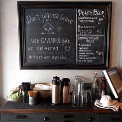 #coffeebar #condiments #coffee #halfnhalf #bottle #chalkboard #desk #wallpaper #galvanizedmetal #restaurant #brunch #seattle (Heath & the B.L.T. boys) Tags: instagram seattle restaurant chalkboard coffee condiments wallpaper galvanized napkin drawers salt