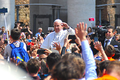 Papst Franziskus / Urbi et orbi 2017 (kristofarndt) Tags: papst pope franziskus francesco easter urbi et orbi blessing service papamobil catholic st peter vatikan holy see