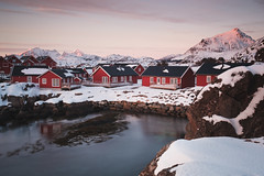 Perfect sunset spot (Sunny Herzinger) Tags: norway xf23mmf14 fujixpro2 cottage sunset norge lofoten february fjord landscape mountains winter nordland no
