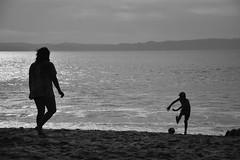 2 BW (ignaciovidelahidalgo) Tags: beach ocean sea child family blackandwhite white black bw nikon nikond3300 chile tome