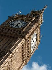 Palace of Westminster / Houses of Parliament (Fotorob) Tags: klokketoren engeland straatmeubilair voorwerpenoppleinened greaterlondon dentedwardjohn dentfrederick stijl gotisch verenigdkoninkrijk architecture landbestuursgebouw bestuurrechtoverhgeb bestuursgebouwenonderdl barrycharles klok england architectura architectuur londonboroughofwestminster
