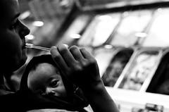 Sorvete - Ice Cream (terencekeller) Tags: pentax k1000 tmax tmax400 kodak bw pb 35mm film brazil brasil black white branco preto kodaktmax analog analógica analogue monocromático pentaxk1000 icecream sorvete kangaroo canguru mãe bebê baby