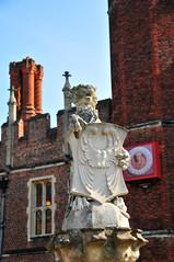 DSC_2118 (Thomas Cogley) Tags: hampton court historic royal palace london england uk thomascogley thomas cogley statue art