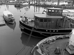 Elbe im Hansahafen (pixel-art) Tags: hamburg harbour elbe ship bnwsoul trix400 kodak mamiya645protl sekorc4528 vuescan canon8800f water onfilm outdoor istillshootfilm ishootfilm