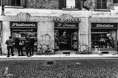 Pasticceria (Radek Lokos Fotografie) Tags: verona italy italien street blackandwhite bw monochrome people outdoor bike bicycle