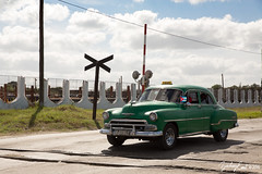 20161227-132313-5D3_2648 (zjernst) Tags: 1950s 2016 car cuba old railroad santaclara sky vacation railroadcrossing road villaclara cu