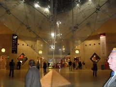 The Louvre (2009) (alexismarija) Tags: louvre thelouvre louvremuseum thelouvremuseum paris museum
