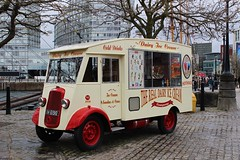 The Old Ice Cream Van at Albert Dock, Liverpool (big_jeff_leo) Tags: liverpool bus vehicle old classic pierhead city