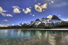 Emerald waters (Len Langevin) Tags: landscape lake rocky mountains rockies mountain sky canmore alberta canada scenery nikon d300s tokina 1116 water
