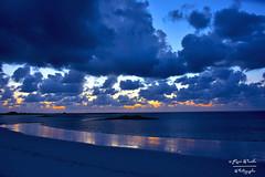plage du cosquer 25/04/17 (pamélaroué) Tags: plage cosquer saint pabu coucher de soleil sable nuages