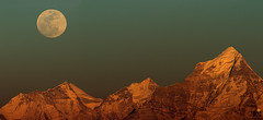 Moonrise in the Himalayas (creativepraveen82) Tags: photography himalayas landscape india uttarakhand panorma moonrise doongiri sunset dronagiri nature travel