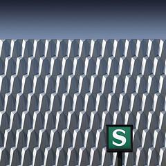 Urban Minimalism #1701 (phototecture.de) Tags: berlin minimalismus minimalism minimal sbahn fassade facade bauhaus banal s square format quadrat fuji xt2 xf50140