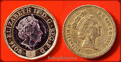 """This is the Head's (Obverse) of the new One Pound Coin 52 in 2017 Week #17 """"Contrast"""" (bokosphotos) Tags: 52 2017 52in2017 week17 taken30april2017 coin newandoldonepoundcoin heads tails contrast onepoundcoin oldnew panasonic reversingring manualfilmlens panasonicgh3 affinityphoto affinity"""