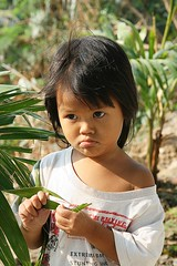 pouting girl (the foreign photographer - ฝรั่งถ่) Tags: little toddler girl pouting face khlong thanon portraits bangkhen bangkok thailand canon kiss