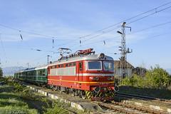 Electric Nostalgia (Rivo 23) Tags: bdz bulgarian state railways electric locomotive skoda 68e class 44 144 special retro train nostalgia bulgaria railway бдж специален атракционен влак електрически локомотив шкода серия