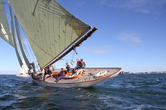 Ducking Sayonara IMG_0948 (Wally on water) Tags: classicyacht classicyachtsassociation rycvroyalyachtclubofvictoria sailingonportphillipbay sayonara give way yachts gaff rigged