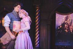 "Tangled - ""I See The Light"" (SDG-Pictures) Tags: show face movie theatre disneyland stage character disney fantasy faire rapunzel tangled disneylandresort iseethelight flynnrider fantasyfairetheatre"