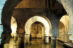 Arcos de herradura (vcastelo) Tags: espaa spain vieja ciudad antigua museo cceres palacio monumental arcos herradura extremadura veletas aljibe arqueolgico alhaelgami
