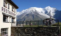 Massif du Mont-Blanc, Prarion (Ytierny) Tags: panorama france montagne alpes restaurant altitude midi montblanc alpinisme massif prarion hautesavoie goûter aiguille argentière détente tabledorientation ytierny
