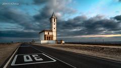 Salinas en Cabo de Gata (j_checa) Tags: espaa carretera iglesia almeria cabodegata masterclass lassalinas javiercheca vision:beach=074