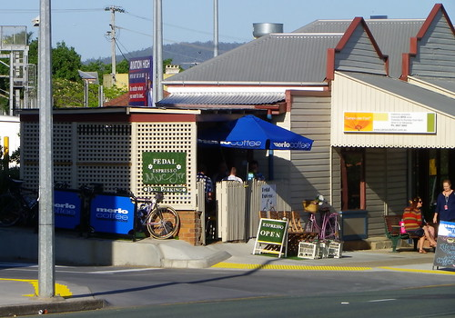 shopfronts eagle junction (8)