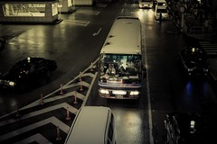 (pablo_martin) Tags: bus rain station japan by night train dark asian japanese 50mm lights tokyo shinjuku asia asien overpass rail jr nippon asie japon japones japonais tokio f24 japanisch