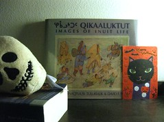 Q (giveawayboy) Tags: bookshelf oleander