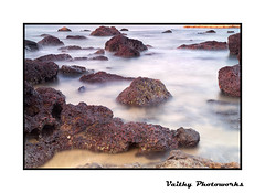 Rocks & Sea (Vaithy Photoworks) Tags: sea seascape beach nature goa calangute seashore baga palolem candolim bagabeach arambol calangutebeach arambolbeach candolimbeach kadal vaithy vaithyphotoworks vaithiyanathank nathankv2010gmailcom vaithiyanathan vaithiyanathankrishnaswamy vaithyphotoworkscom kvaithiyanathan kadalkarai