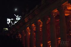 Luna controlada (Ivanovo) Tags: red moon paris france night lune rouge noche rojo europa europe columns grand luna escultura palais francia nuit pars columnas