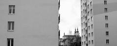 kostel / church (ondey) Tags: street city windows bw white black monument contrast panel czech towers prefab center housing historical kontrast centrum sudety estates kostel republika czechia dům okna město ulice kraj panelák česko česká sídliště sudetenland věže kadan republick černobílá památka historické ústecký kadaň kaaden panelový vorerzgebirge podkrušnohoří