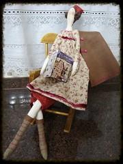 Tilda outono lendo... (PCPriscila) Tags: doll boneca tilda ragdoll evangeline autumntilda