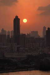 Kowloon Bay, Hong Kong (mikemikecat) Tags: kowloonbay hongkong mikemikecat scenery sunset cityscapes 香港 九龍灣 日落 fe70200mf4goss sel70200g sony a7r 夕陽 夕空