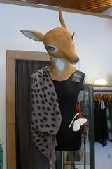 Mannequin aux yeux de biche (mistigree) Tags: narbonne magasin biche daim vêtement mannequin