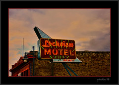 Lockview Motel (the Gallopping Geezer '4.5' million + views....) Tags: sign signs signage business store storefront ad advertise advertisement smalltown backroads backroad saultstmariemi michigan upperpeninsula up roadtrip canon 5d3 tamron 28300 geezer 2016 lockview lockviewmotel room rooms roomforthenight