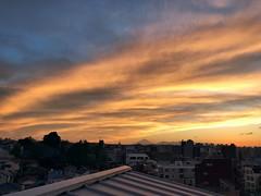 Sunset in Yokohama (vincentvds2) Tags: sunset sky twilight yokohama roof mountfuji mtfuji clouds fuji fujisan