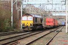 66113 @ Sandbach (uksean13) Tags: 66113 ews dbs dbschenker freight train rail railway sandbach ef28135mmf3556isusm canon 760d cans