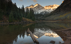 It is written on the arched sky; it looks out from every star. It is the poetry of Nature; it is that which uplifts the spirit within us… (ferpectshotz) Tags: maroonbells maroonlake aspen colorado reflections lake fallfoliage autumn log