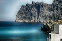 Acantilados (candi...) Tags: acantilado rocas montaña cielo mar playa casa agua naturaleza nature airelibre paisaje landscape sonya77