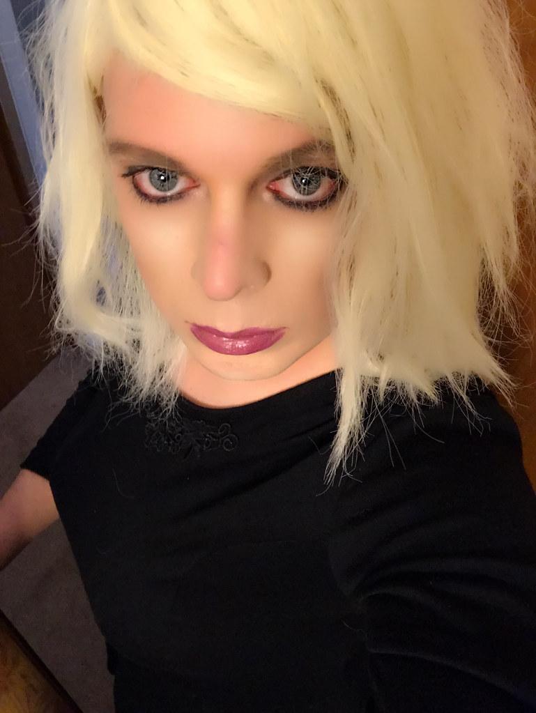 betaalde sex blonde shemale