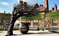 Standing in for Shakespeare (jhonnyclickplane) Tags: shakespeare stratforduponavon tree greenery england english globe nikon d3300