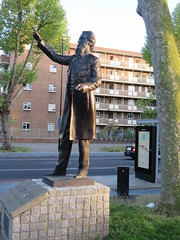UK - London - Stepney Green - Statue of William Booth (JulesFoto) Tags: uk england london clog centrallondonoutdoorgroup stepneygreen eastend statue williambooth