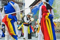 Seoul (Insadong) - traditional drumming (Kevin Lowry) Tags: korea drumming nikon d7100