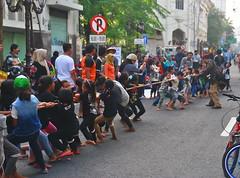Tarik Tambang (Everyone Sinks Starco (using album)) Tags: surabaya eastjava jawatimur kids anakanak permainantradisional traditionalgame